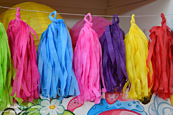 How to Make Tassel Garland with Crepe Paper. Can be made in a variety of colors