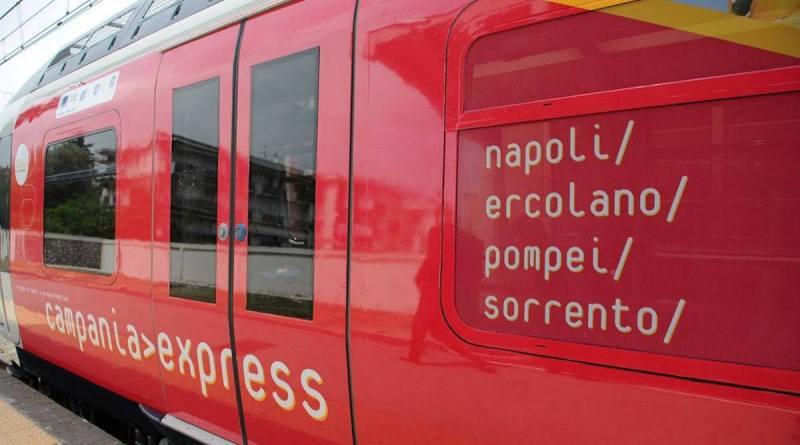 Archeologia e natura da Napoli a Sorrento: ritorna il treno veloce Campania Express