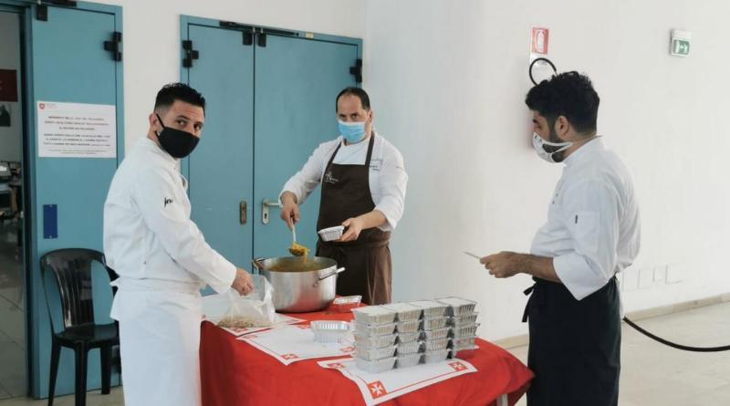 Pompei, tre chef stellati firmano il pranzo alla mensa dei poveri Papa Francesco