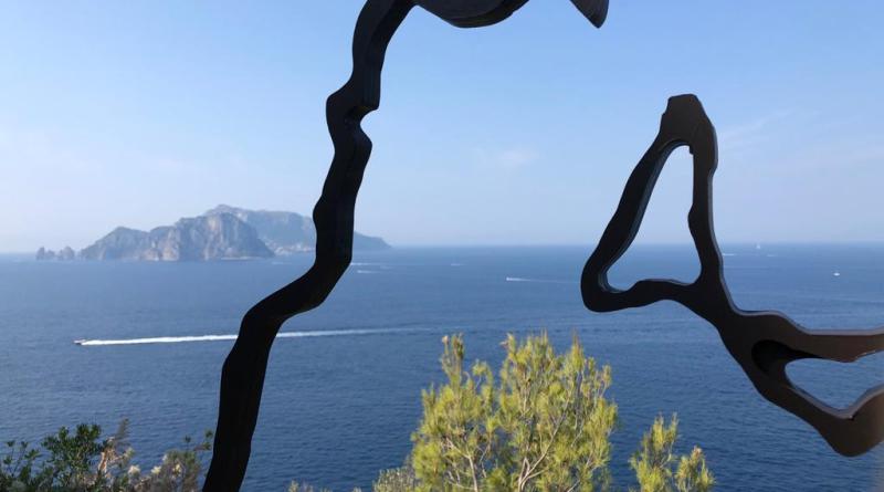 Margine: a Massalubrense la scultura che proietta Nello Petrucci tra i grandi dell'arte contemporanea