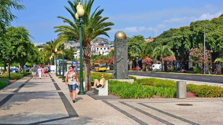 Funchal reaches the highest air temperature in February