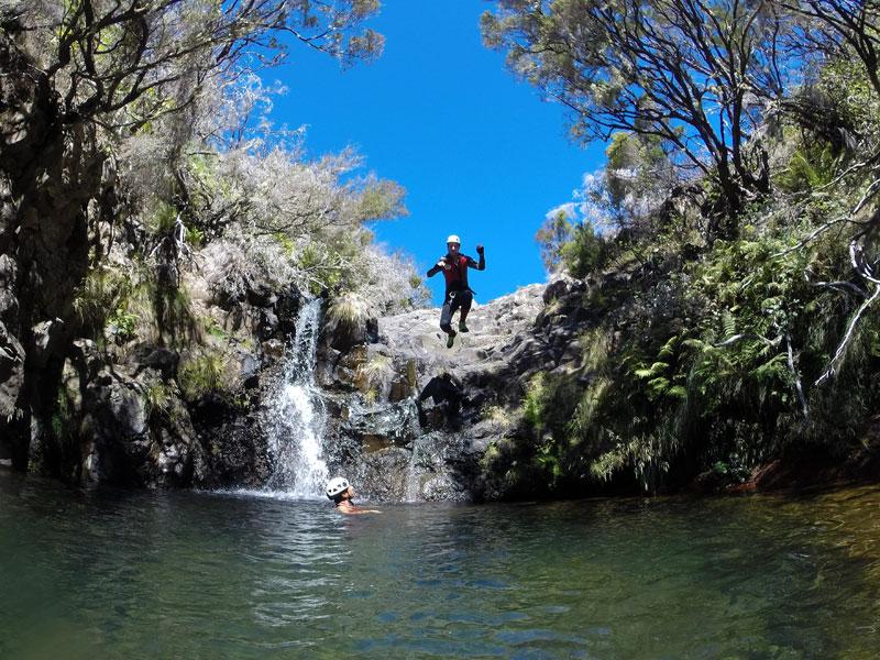 canyoning madeira jumping
