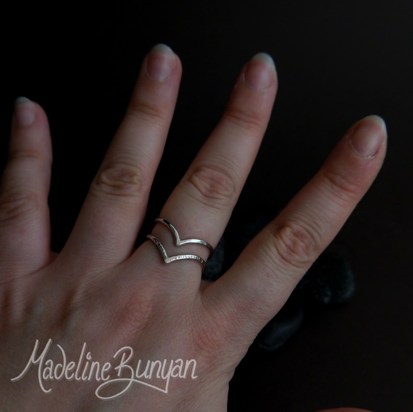 Double Wishbone Textured Chevron Ring, Sterling Silver Size Q
