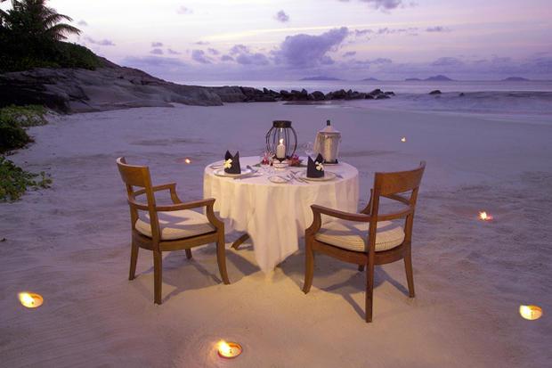 idée article dinner romantique plage