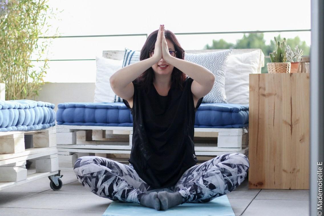 Faire du yoga sport chez soi maison 5 mademoiselle-e
