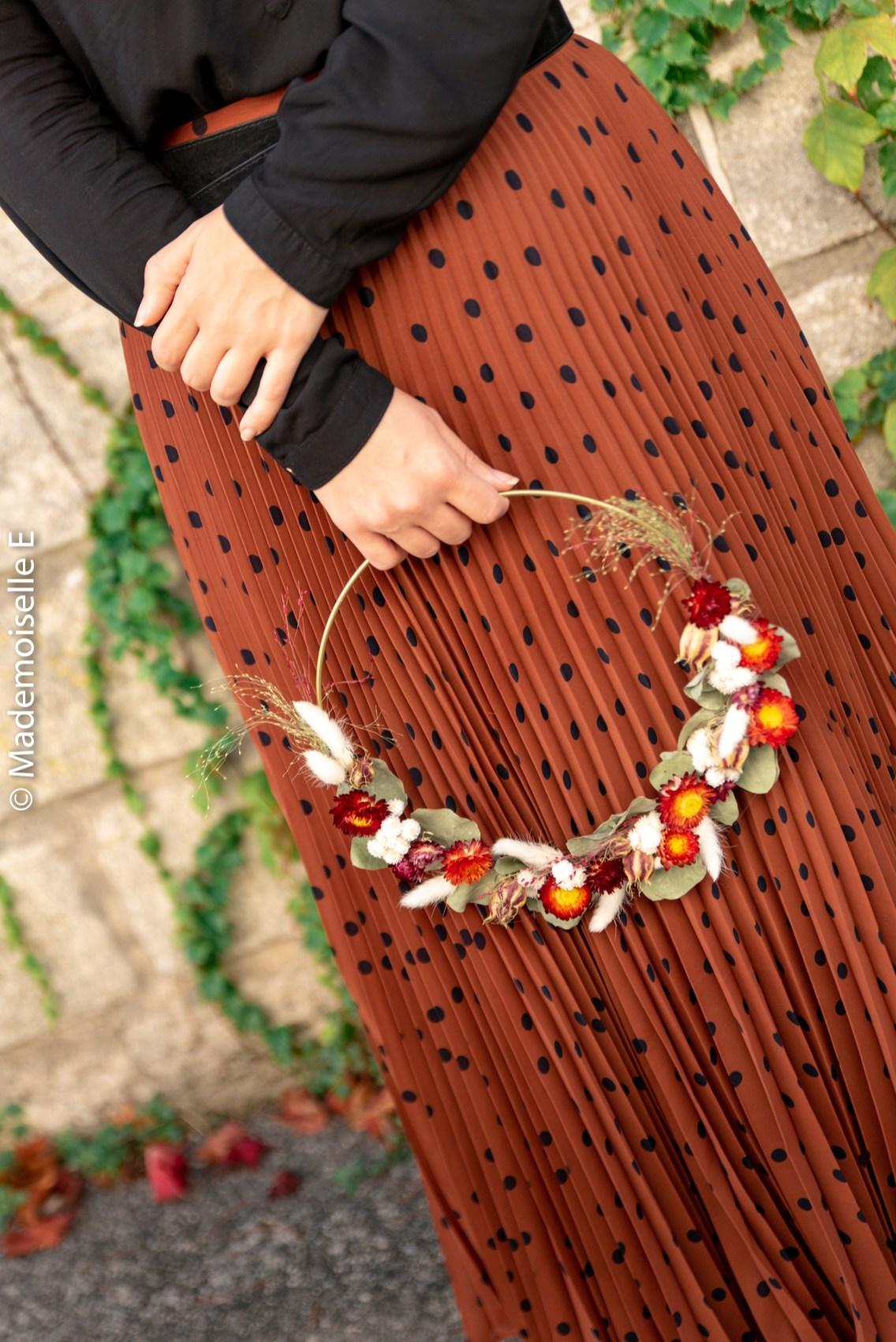jupe_plissee_a_pois_couronne_fleurs_sechees_automne_2_mademoiselle-e