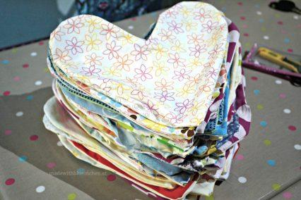 113 Stück Herzkissen Hüllen haben wir fabriziert!