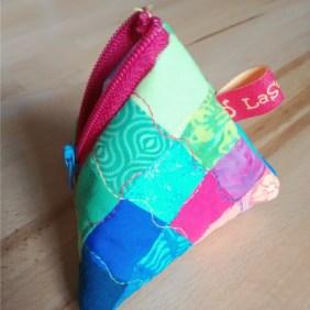 Triangle Pouch, fein gequiltet von @caro_lasonadora (Caro hat hier darüber