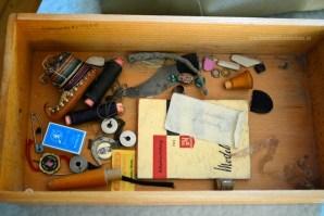 Geheimnisse in alten Schubladen entdecken.