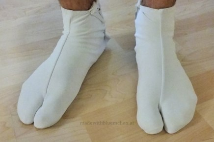 Tabi gefüllt mit männlichen Füßen. ;-)