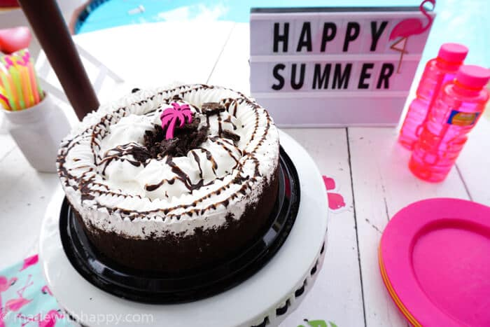 There are 5 key things to remember when hosting a HAPPY Summer celebration. | Hosting a Summer Party | Ice Cream cake parties | Summer Celebration with Ice Cream Cakes | Flamingo Summer Parties | www.madewithhappy.com