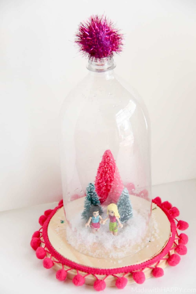 Dollar Tree Holiday Terrarium | Cheap Hoiday Decorations | Kids Christmas Crafts | Lego Christmas Crafts | www.madewithhappy.com