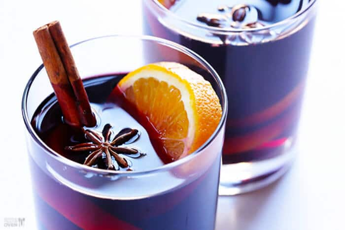 Mulled Wine | 20+ Fall Cocktail Recipes | Holiday Entertaining with Fall Recipes | Pumpkin, apple and cinnamon cocktails | www.madewithHAPPY.com