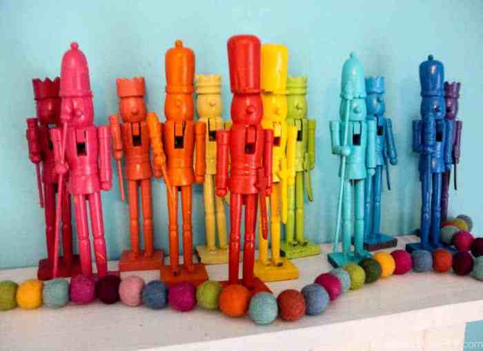 Rainbow Nutcrackers | Spray Painted Nutcrackers | Rainbow Christmas Decorations | Spray Painted Christmas Decorations | www.madewithhappy.com