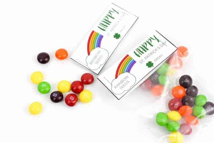 St. Patrick's Day Rainbow Seed Printable | St. Patrick's Day Kids Snacks | Rainbow Snacks | Free Printable Rainbow Seed Packets | www.madewithhappy.com