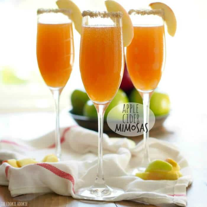 Apple Cider Mimosas | 20+ Fall Cocktail Recipes | Holiday Entertaining with Fall Recipes | Pumpkin, apple and cinnamon cocktails | www.madewithHAPPY.com