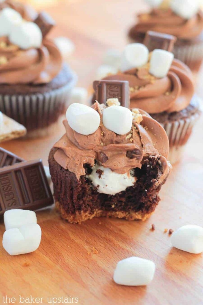 S'mores Cupcakes,  10 Must Have Cupcakes Recipes for Summer | Summer Cupcakes |