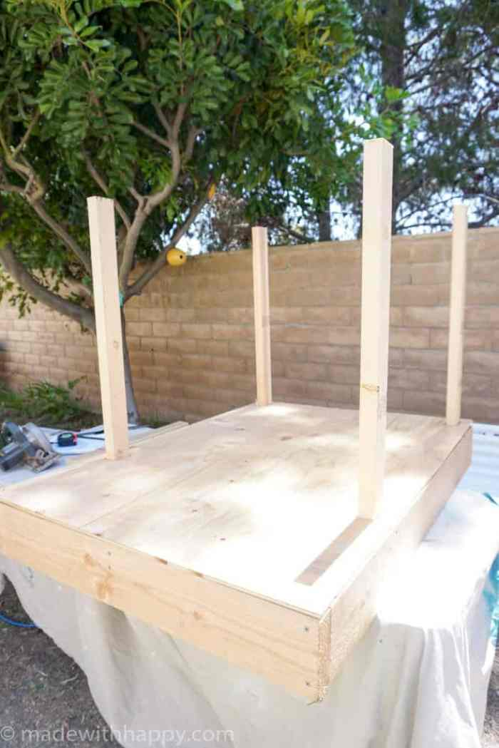 DIY Dog House | Barn Door Dog House | Farm style dog house | Beach house dog house |  www.madewithhappy.com
