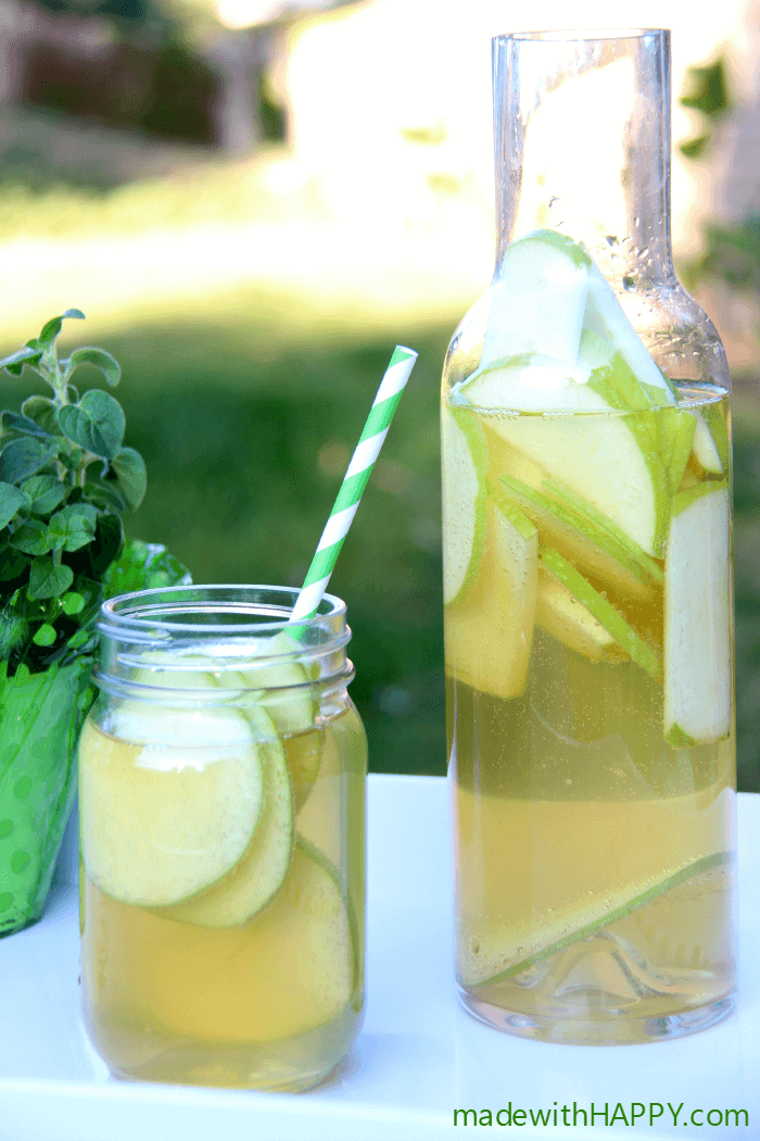 green-apple-sangria-cocktail