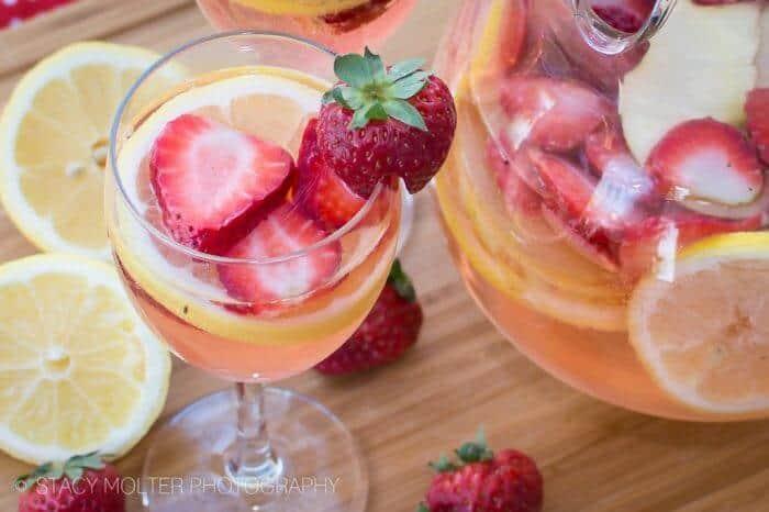 33+ Lemonade Recipes | Pineapple Lemonade | Strawberry Lemonade | Sparkling Lemonade and more | www.madewithhappy.com