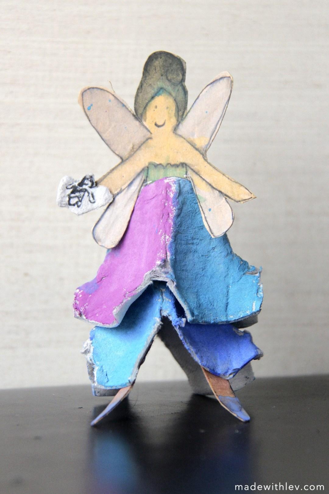 Egg carton fairies: fairies made from egg cartons and cardboard. Tutorial via ART CAMP.