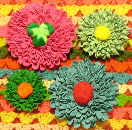 finshed ric rac flowers!