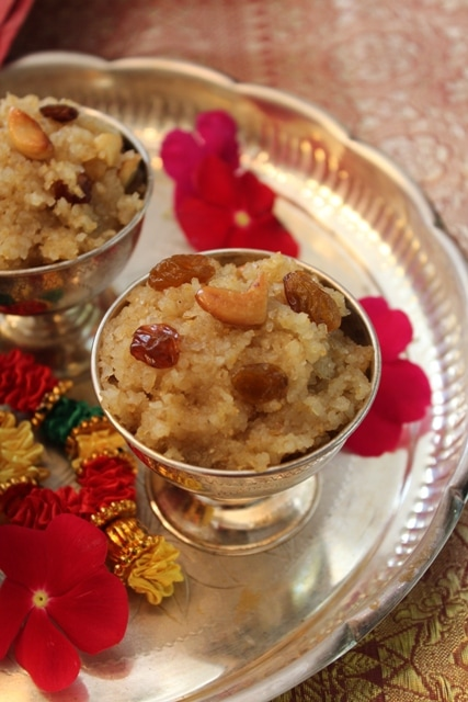 Navratri recipes - Day 4: Cracked Wheat Halwa (Godhuma Rava Halwa) | Annavaram Prasadam