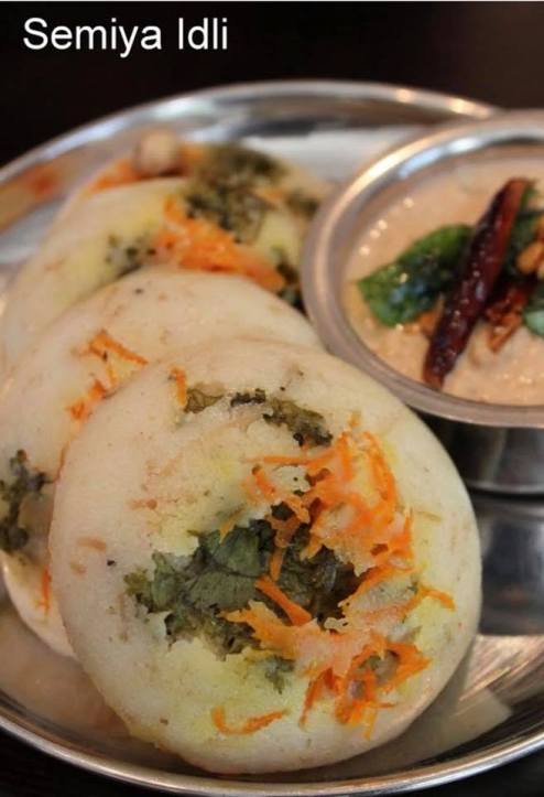 vermicelli idli or semiya idli with coconut chutney