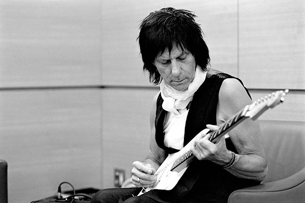Multiple Grammy Winner Jeff Beck Announces Second Leg Of Emotion & Commotion U.S. Tour