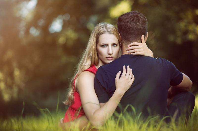 adultfriendfinder couple belle femme blonde