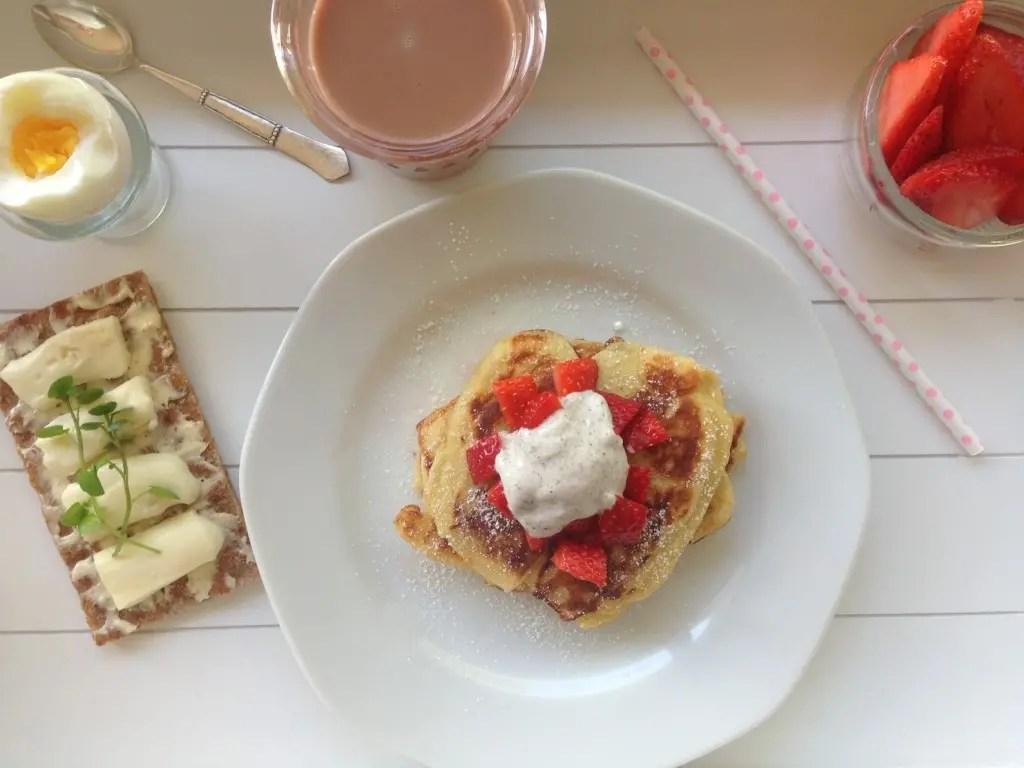 Pandekager med jordbær og vanilje