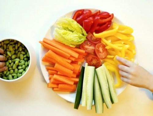 10 tips til at få børn til at spise grøntsager