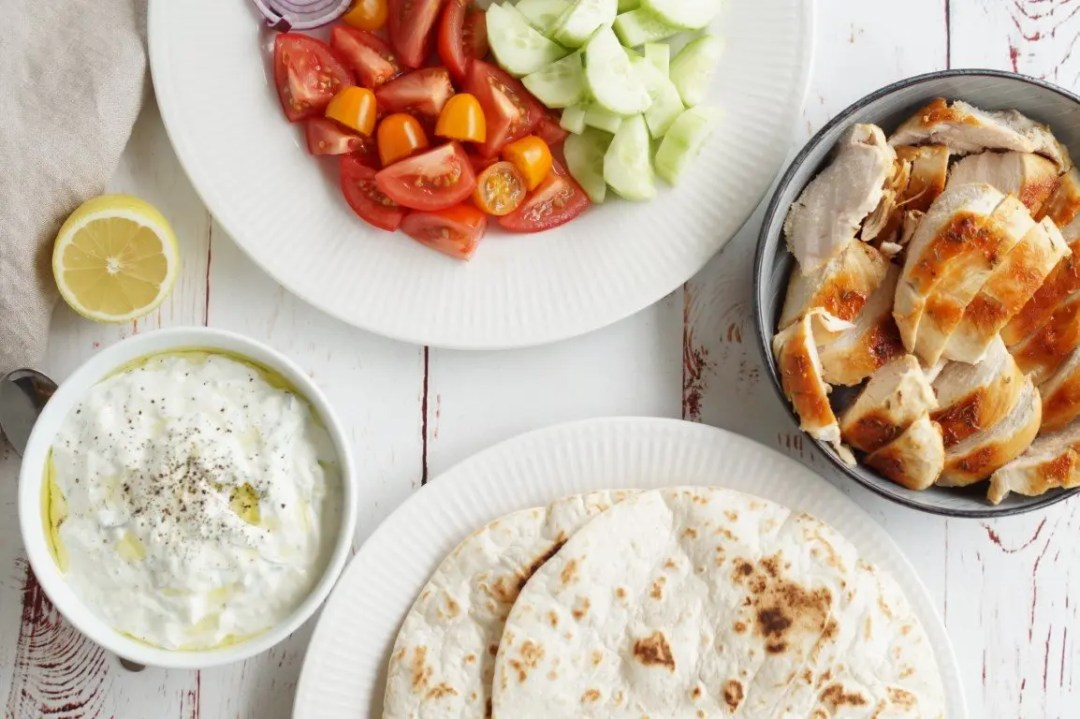 Tortilla med kylling og tzatziki