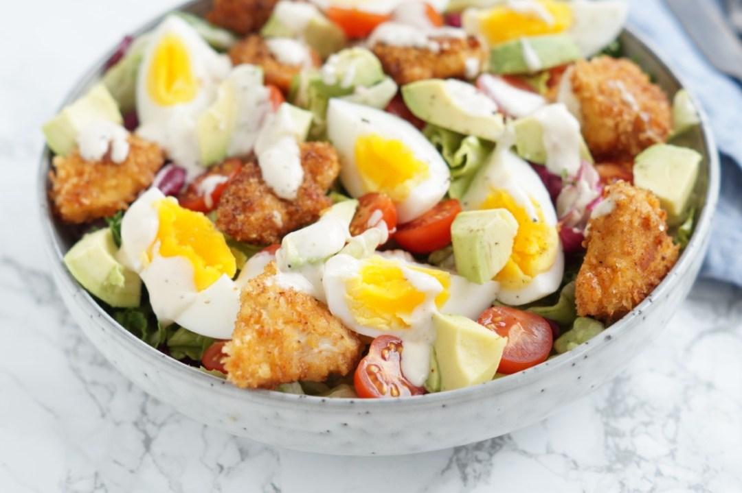 salat med nuggets