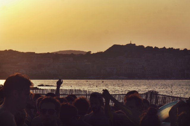 65 Calvi on the rocks 2015 - Pachanga Boys In Casa sunset