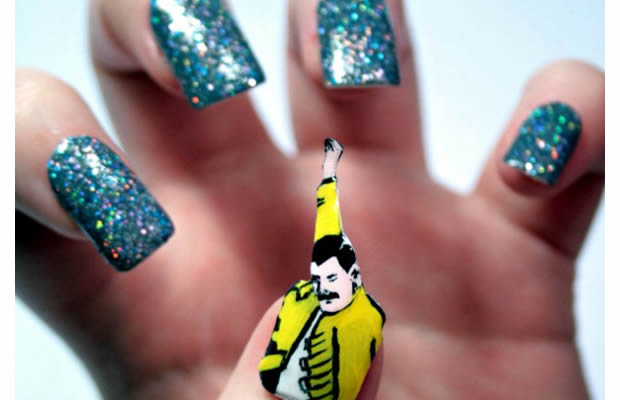 Du nail art Batman, Queen ou Doctor Who, ça vous tente ? nailfreddie