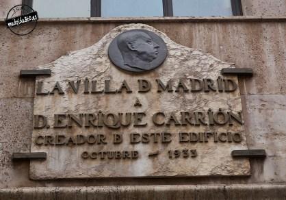 Placa dedicada a D. Enrique Carrión