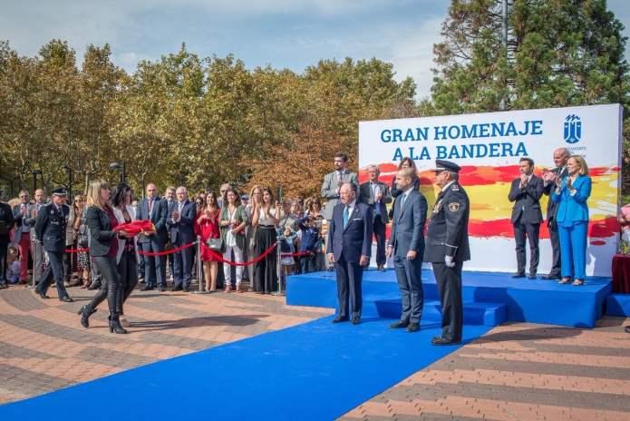 Álvarez Ustarroz reivindica el patriotismo en el homenaje a la Bandera en Majadahonda 1