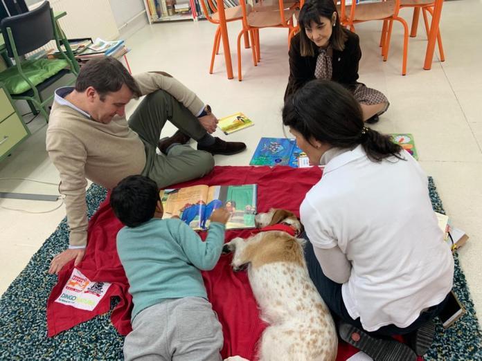 Cuatro colegios de Tres Cantos desarrollan un programa pionero en España: 'Perros y Letras' 1