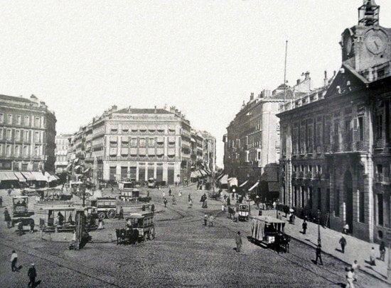 "Del arrabal al ""ágora"". La evolución de la Puerta del Sol 2"