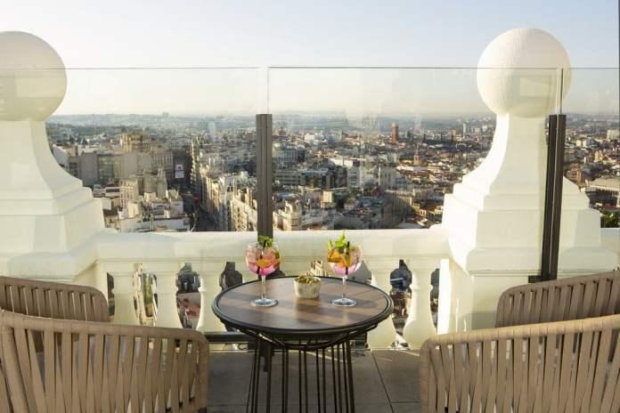 Reabre la terraza 360º del hotel Riu Plaza España 1