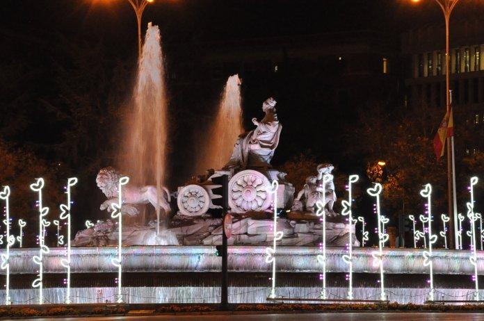 La luz de la Navidad inunda Madrid 2