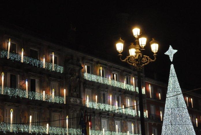 La luz de la Navidad inunda Madrid 11