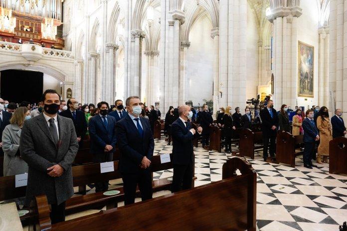 Madrid celebra la Almudena del coronavirus 4
