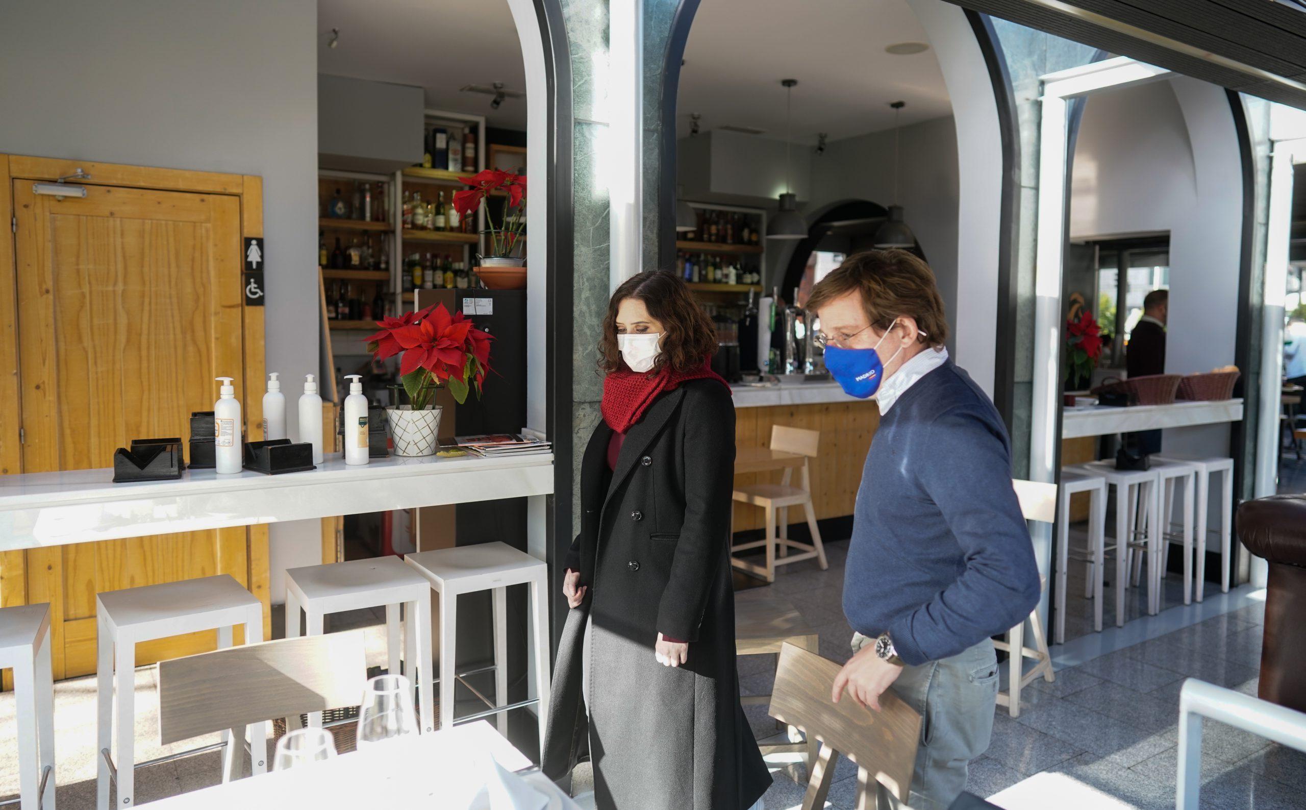 Díaz Ayuso y Martínez-Almeida: almuerzo de trabajo en el Café Gijón 1