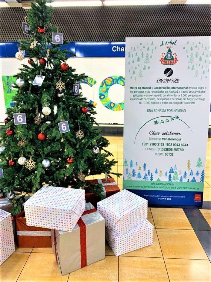 Un Metro, doce causas: un árbol de Navidad solidario en cada línea 7