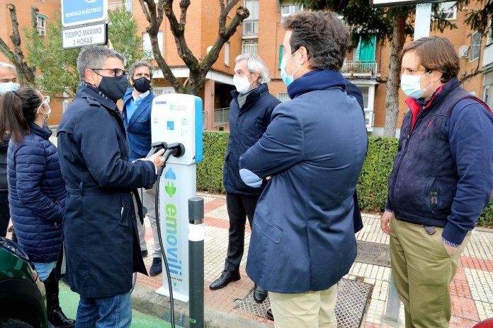 Alcobendas estrena dos puntos de recarga para coches eléctricos 1