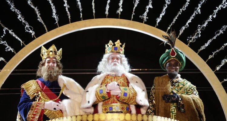 Los Reyes Magos llenaron Madrid de ilusión y esperanza 1