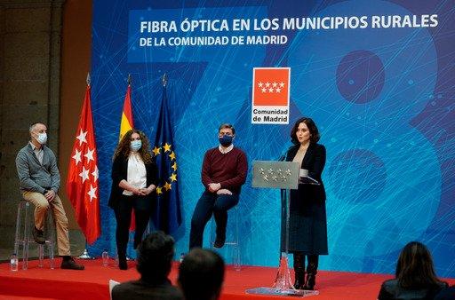 Los municipios rurales de la Comunidad ya disponen de fibra óptica 1