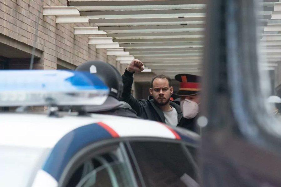 Los adultos detenidos en las protestas por Hasél salen en libertad 3